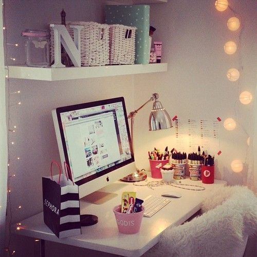 Apple cute desk girly imac lights love room room for Cute girly rooms
