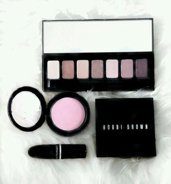 beauty, bobbi brown, compact and cosmetics