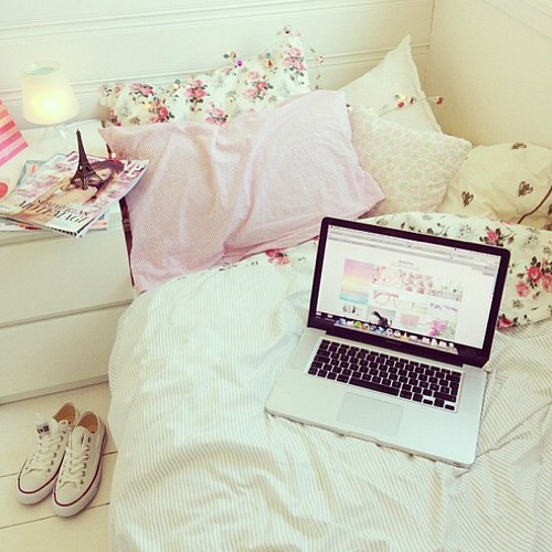 Teen room tumblr roomspiration first set on favimcom for Cute girly rooms