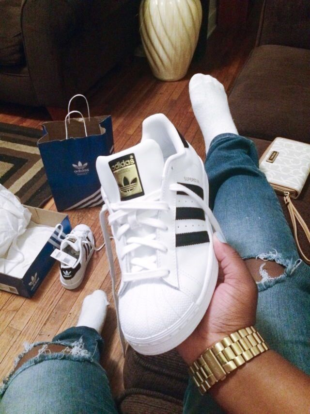 2015, adidas, adidas shoes, bad, bad bitches, bitch, bitches, black, black and white, cute, fashion, gold, outfit, ripped jeans, socks, stunner, stunning, tumblr, white, adidas bag