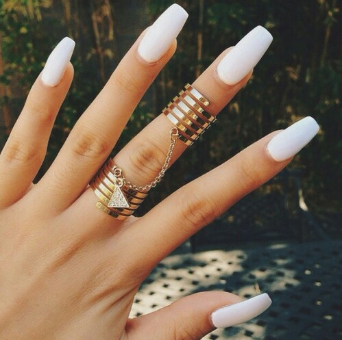 I love FASHION fashion-girl-hand-lo