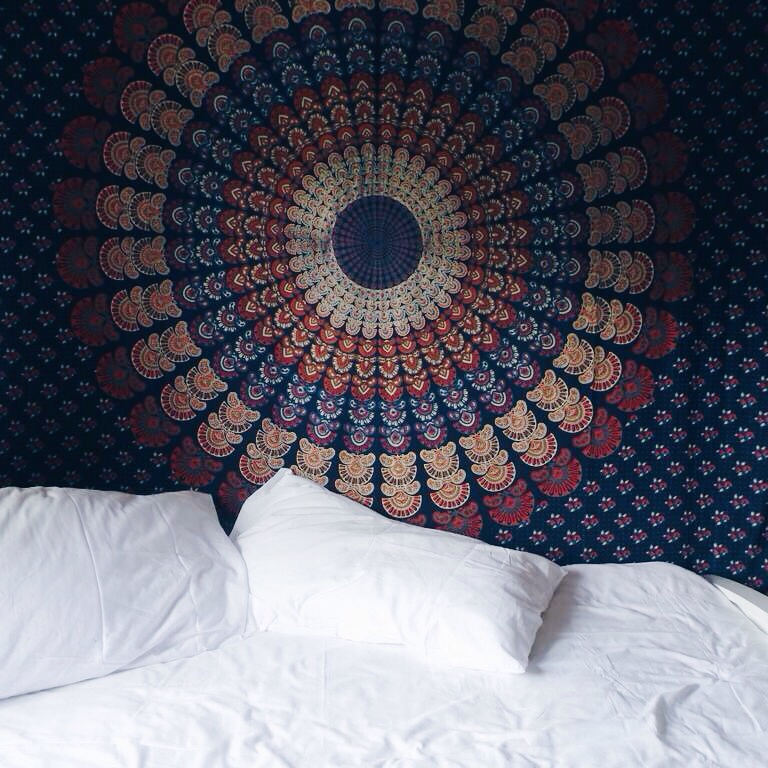 blue, red, beds and room decor