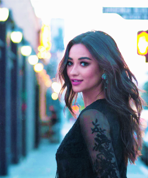 Shay Mitchell Via Tumblr Image 3265364 By Bobbym On