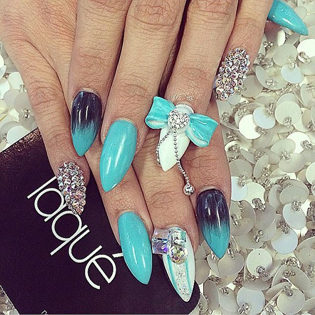 beauty, bow, cute and gradient nails