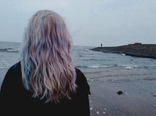 alone, beach, dark, girl, grunge, hairstyle, jair, pastel, sadness, sea, sky